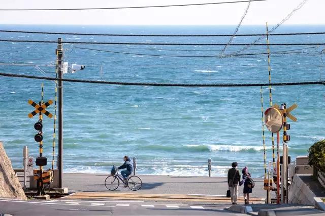 """你最早认识的日本,可能就是这座""""不完美""""的海边小城"""